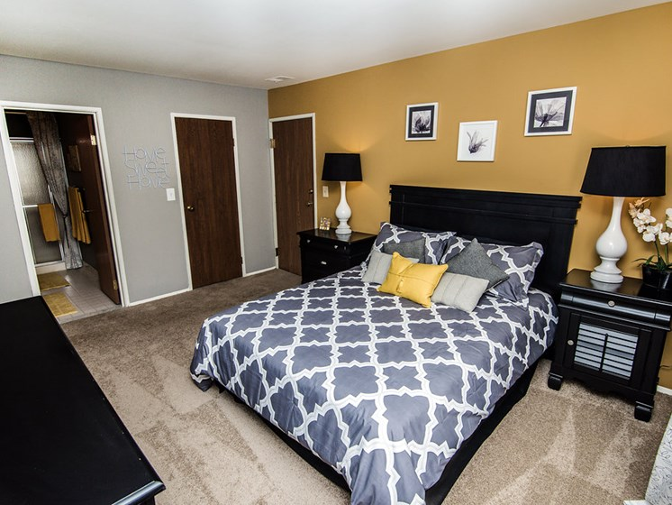 Spacious Bedroom at Park Lane Apartments, MI 48033
