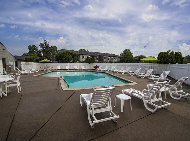 Heated Pool and Sundeck at Three Oaks Apartments in Troy, 48098