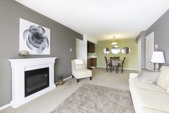 4154 Three Oaks Boulevard 1-2 Beds Apartment for Rent Photo Gallery 1