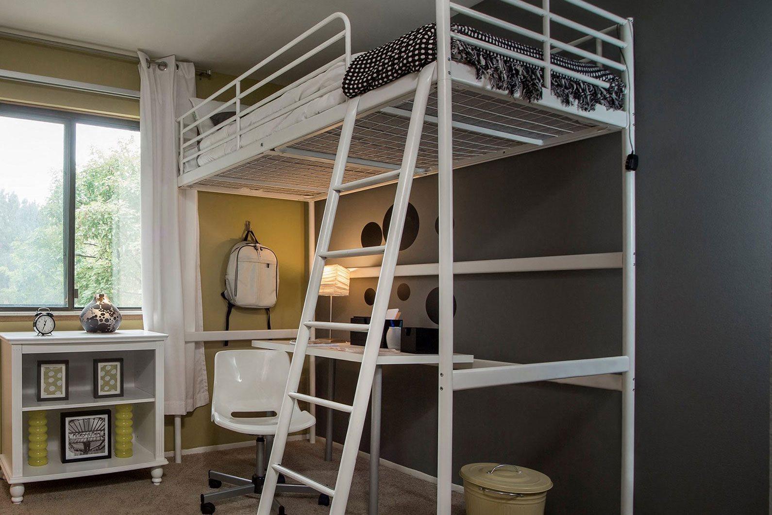 Large bedrooms at Woodland Villa Apartments, Westland, MI