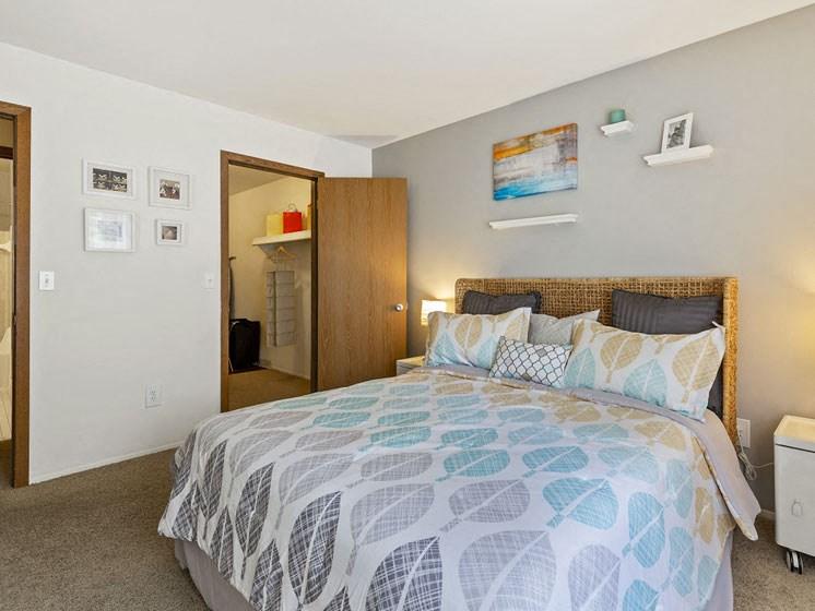 Two bedroom Westland MI Near Livonia