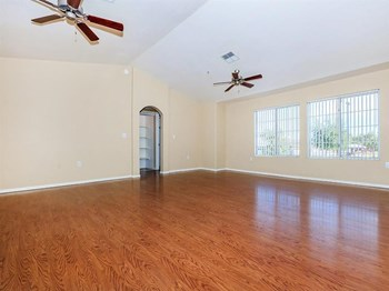 1303 W Juniper Ave. Studio-4 Beds Apartment for Rent Photo Gallery 1