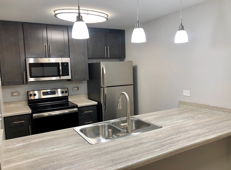 1BD, 1BR Remodel D-Style Kitchen