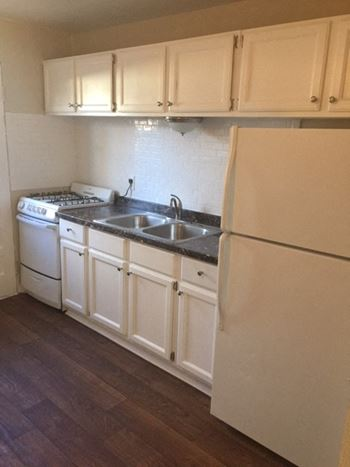 5379 Estes St 2 Beds Apartment for Rent Photo Gallery 1