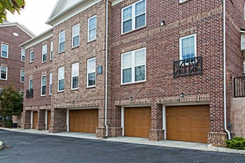 1116 Davenport Blvd. 1-3 Beds Apartment for Rent Photo Gallery 1
