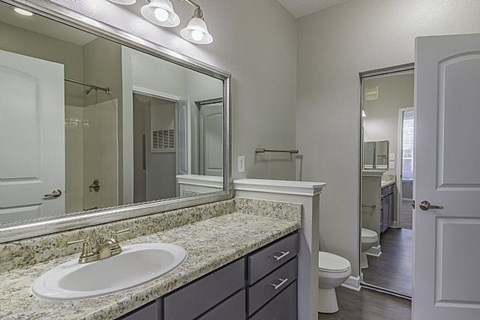 Fortress Grove Apartments Bathroom