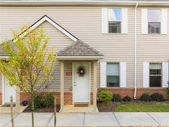 13 Meadow Brook Lane 1-3 Beds Apartment for Rent Photo Gallery 1