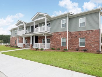 808 Edgewood Dr 1-3 Beds Apartment for Rent Photo Gallery 1