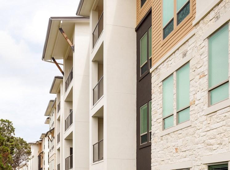 External Apartment View at Ascent Cresta Bella, 19702 Bella Loma Drive, 78256