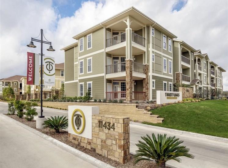 External Apartment View at Thirty Oaks, San Antonio