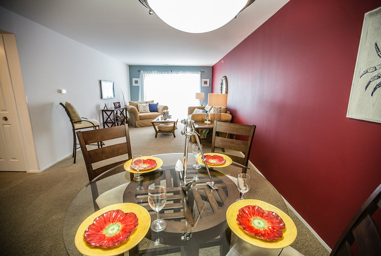 Dining Room and Living Room at Prentiss Pointe Apartments, MI 48045