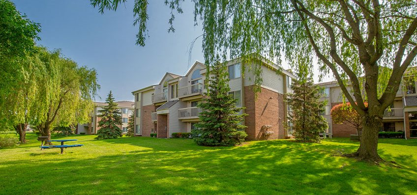 Green Surrounding, at Prentiss Pointe Apartments, Harrison Township, MI 48045