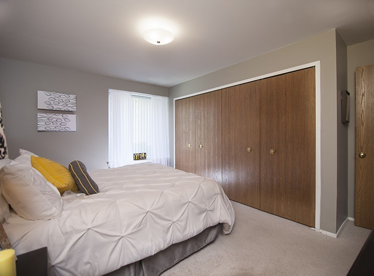 Bedroom with Large Closet at Prentiss Pointe Apartments, Harrison Township, Michigan