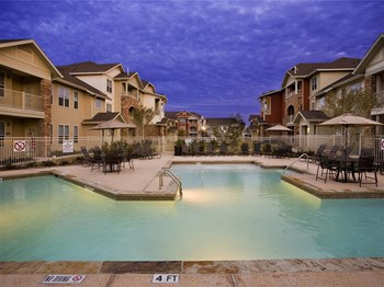 2404 S Calaveras St 1-4 Beds Apartment for Rent Photo Gallery 1