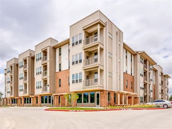 9415 Bruton Road 1-3 Beds Apartment for Rent Photo Gallery 1