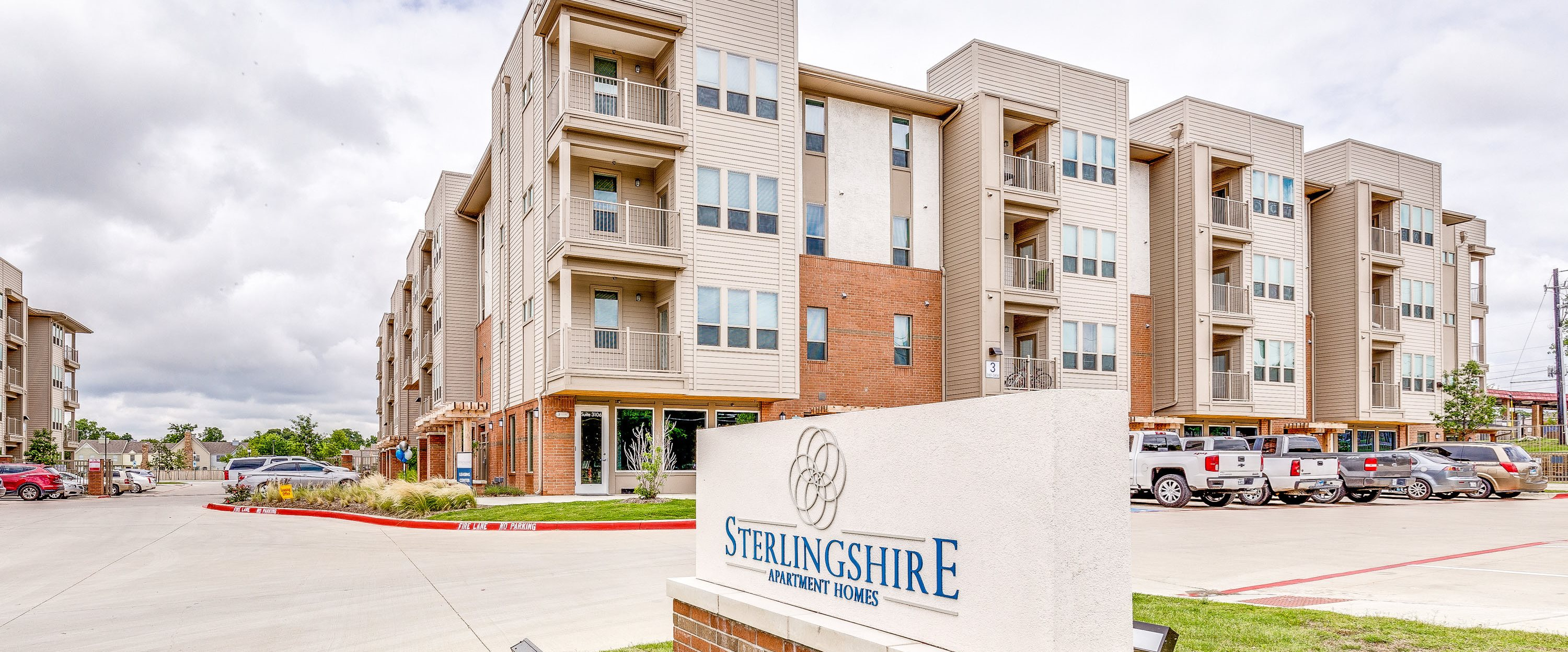sterlingshire apartments in dallas tx