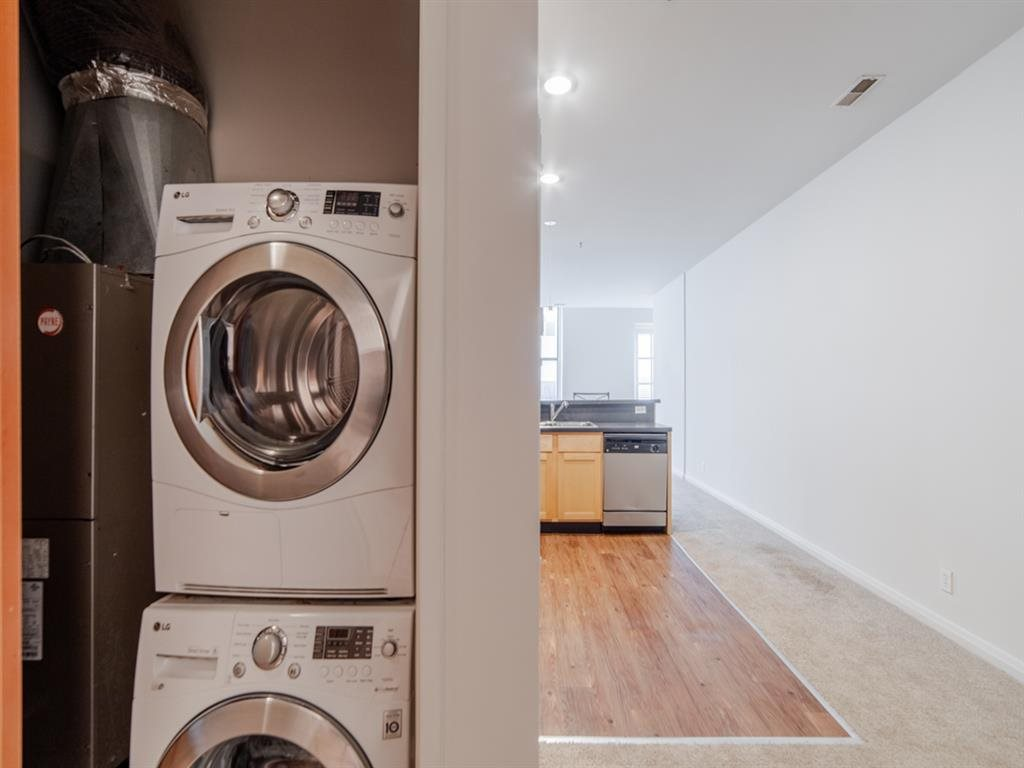 Onsite Laundry Room at Buckingham Urban Living, Indiana, 46204