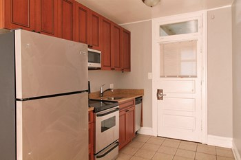 411-419 Thatcher Ave. Studio-2 Beds Apartment for Rent Photo Gallery 1