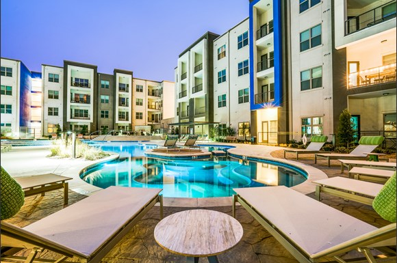 maple district lofts apartments dallas tx from 1 135 rentcaf