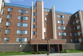 550 Snelling Ave. N. 1-2 Beds Johnson Realty for Rent Photo Gallery 1