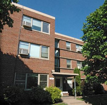 681 Oakland Ave. Studio-1 Bed Johnson Realty for Rent Photo Gallery 1