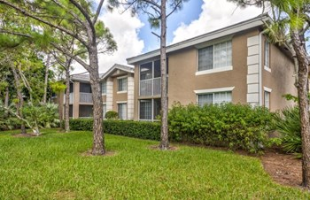 4284 South East Cove Lake Circle 1-3 Beds Apartment for Rent Photo Gallery 1