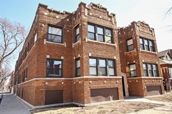 6401 S Maplewood Ave 2-3 Beds Apartment for Rent Photo Gallery 1