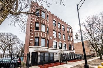 7715 S South Shore Dr Studio-2 Beds Apartment for Rent Photo Gallery 1