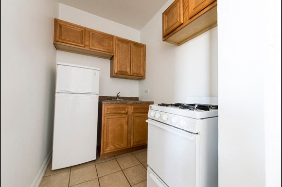 7715 S South Shore Drive Apartments Chicago Kitchen