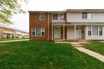 3324 Western Ave 1-3 Beds Apartment for Rent Photo Gallery 1