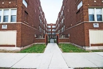 1108 E 82nd St 1-2 Beds Apartment for Rent Photo Gallery 1