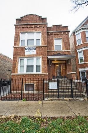 3 Bedroom Apartments For Rent In Little Village Chicago Il Rentcafé