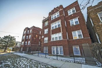 4815-23 W Cortez St 1-2 Beds Apartment for Rent Photo Gallery 1