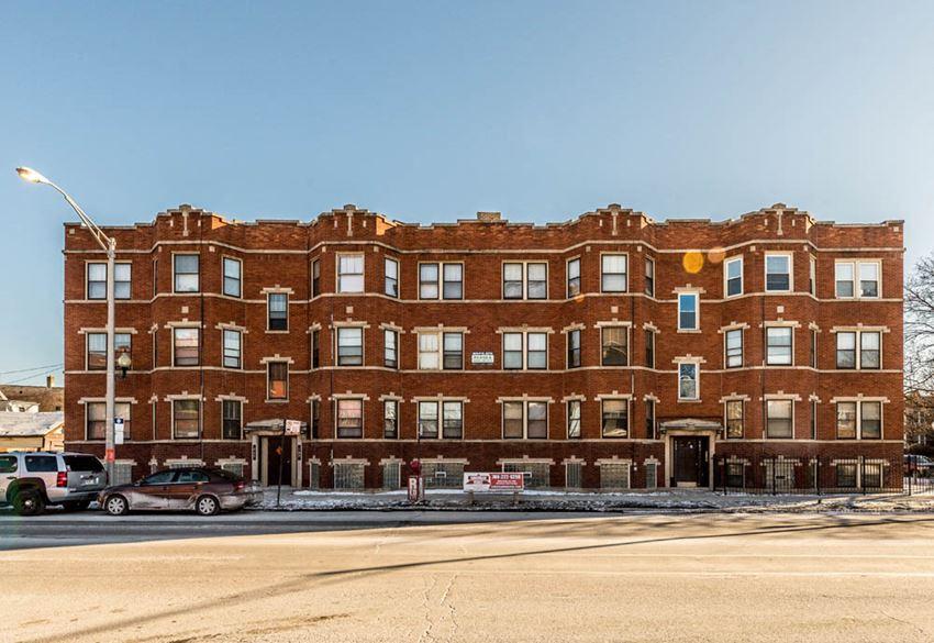 703 N Austin Blvd Apartments Chicago Exterior