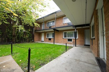 7916 S Drexel Ave 1-2 Beds Apartment for Rent Photo Gallery 1