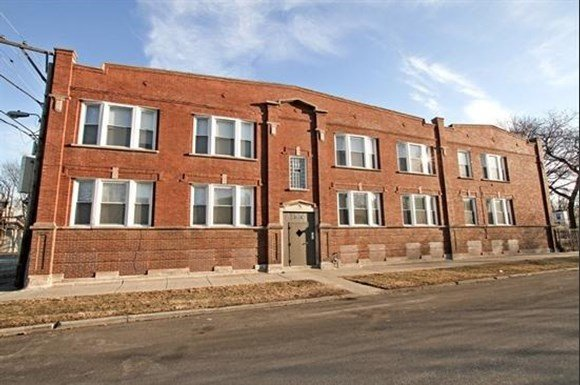 5658 s peoria st apartments in chicago il pangea real estate for 3 bedroom apartments in peoria il