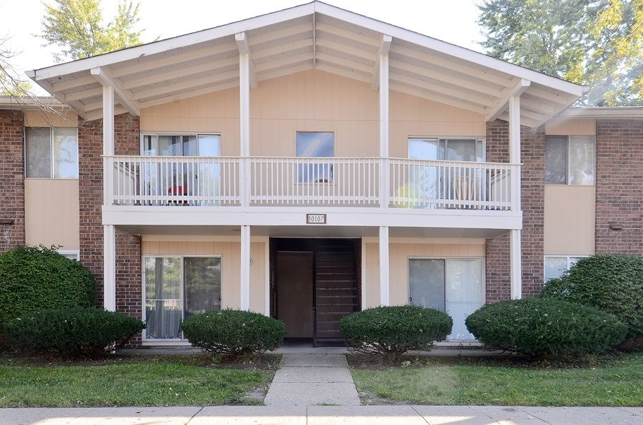 Pangea Vineyards Apartments for rent Indianapolis - Building Exterior