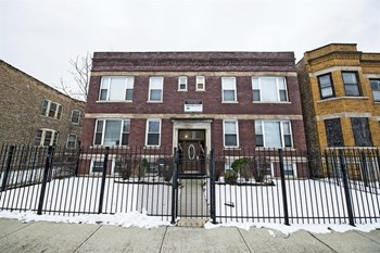 1511 E 73rd St 1-2 Beds Apartment for Rent Photo Gallery 1