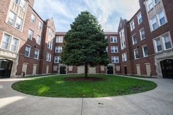 7917-27 S Drexel Ave, Chicago, IL, 60619 1-2 Beds Apartment for Rent Photo Gallery 1