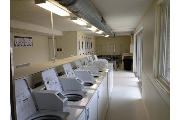 Pangea Parkwest offers the convenience of on-site laundry.