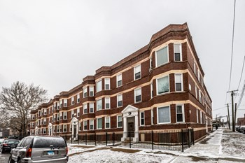 7643 S Stewart Ave 2 Beds Apartment for Rent Photo Gallery 1