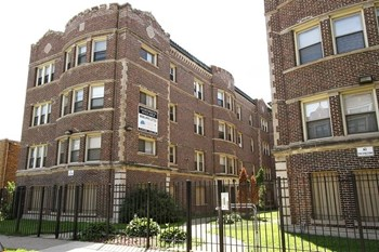 8238 S Ellis Ave 1-2 Beds Apartment for Rent Photo Gallery 1
