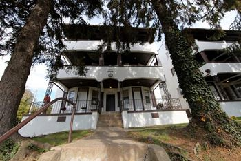 3512 Clifton Ave 2 Beds Apartment for Rent Photo Gallery 1