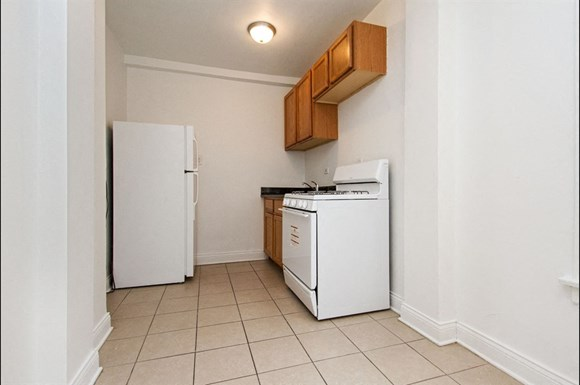 Pangea Chicago Lawn Apartments for rent | 6238 S Western Ave Kitchen