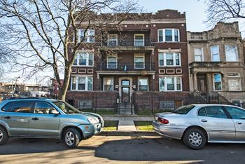 6033-35 S Vernon 2-3 Beds Apartment for Rent Photo Gallery 1
