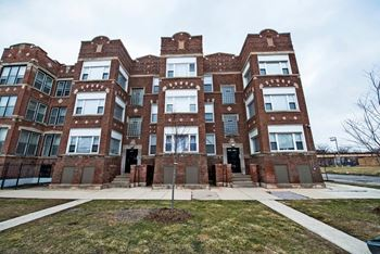4853-59 S Prairie 1-3 Beds Apartment for Rent Photo Gallery 1
