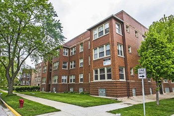 7151-53 S Indiana Ave 1-2 Beds Apartment for Rent Photo Gallery 1