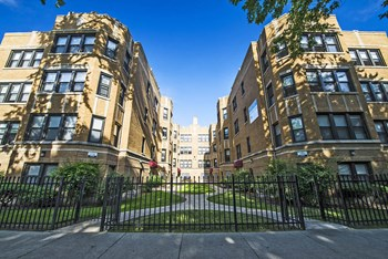 8236 S Maryland Ave 1-2 Beds Apartment for Rent Photo Gallery 1