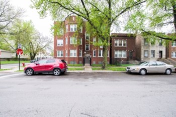 Rent Cheap Apartments in Chicago, IL: from $545 - RENTCafé
