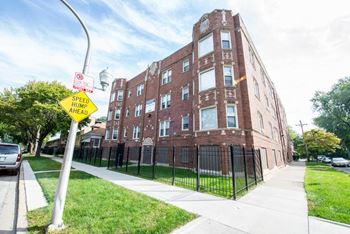 7953-59 S Dobson Ave Studio-2 Beds Apartment for Rent Photo Gallery 1